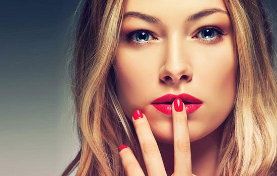 Manicure e trucco correttivo